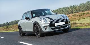 mini 5 door hatch review carwow