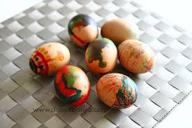 Decorating Easter Eggs With Markers by 9 Unique Ways To Decorate Easter Eggs Gift Of Curiosity