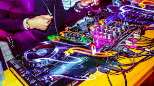 dj table for beginners buying dj equipment for beginners top tips to get the best dj set up