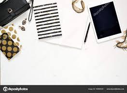 pochette bureau photo plat laïc de bureau élégant bureau blanc avec pochette femmes