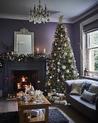 5 ways to decorate your christmas tree by kimberly duran the oak