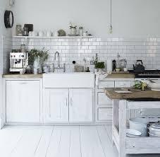cuisine carrelage blanc carrelage métro blanc dans la cuisine et la salle de bains