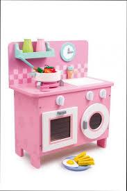 vertbaudet cuisine bois vertbaudet jouet en bois trendy coffre jouet vertbaudet dans coffre
