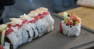 cuisiner sushi p une recette simple et rapide de maki au thon aux saveurs