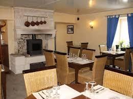hotel restaurant avec dans la chambre hotel restaurant auberge du cheval blanc hôtels en pays de la loire