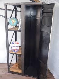 chambre meubl馥 nantes 23 best etagères et bibliothèques images on industrial