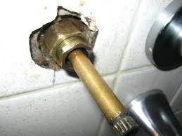 how to repair a leaking bathtub faucet how to fix a leaky bathtub faucet video tubethevote