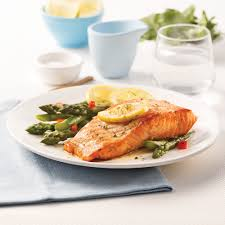 cuisine asperge saumon en papillote sur lit d asperges recettes cuisine et
