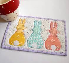 Mug Rug Designs Free U0026easy Mug Rug Patterns Bunny Hop Mug Rug Three Designs In