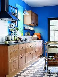 cuisine bleue et blanche cuisine blanche plan travail bois 7 cuisine bleu 25 id233es