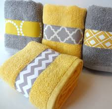 Grey And Yellow Bathroom Ideas Best 25 Yellow Bathrooms Ideas On Pinterest Yellow Bathroom