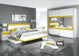 chambre à coucher blanche chambre a coucher grise déco chambre pour adulte luxe chic jaune