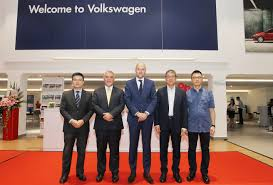 lexus malaysia sungai besi volkswagen sg besi celebrates launch of new outlet motor trader