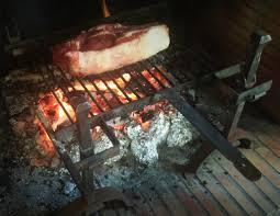 cuisine au feu de bois du bonheur d un simple repas au feu de bois mag cuisine
