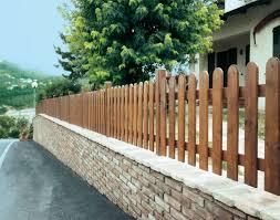 ringhiera in legno per giardino nuove idee sulle recinzioni