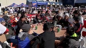 mattress mack feeds thousands at thanksgiving dinner abc news