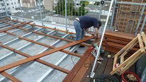 holzbelag balkon terrassenholz und bangkirai holzdielen selber verlegen