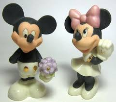 mickey mouse and minnie mouse sweethearts salt and pepper shaker
