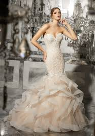 sexey wedding dresses how to pull a wedding dress fashion tips on wearing