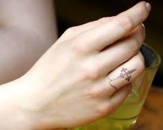 rosary tattoos on finger google 搜尋 tattoos tattoos and
