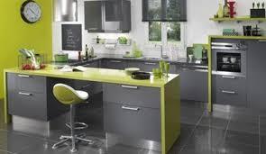 deco cuisine couleur faience cuisine grise pour idees de deco l gant couleur mur