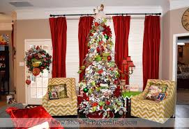 fireplace mantel centerpiece tree theme show me decorating tree