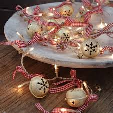 51 ideas to use jingle bells in décor digsdigs
