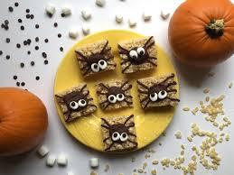 easy halloween treats spider rice krispie treats