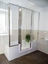 badezimmer behindertengerecht umbauen sitzbadewanne badewanne mit tür oder wanne zur dusche komfort