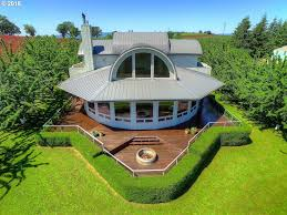 Oregon House by Oregon Vineyard Estate House Has Best First Floor Views Possible