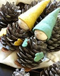craftaholics anonymous 25 pine cone crafts