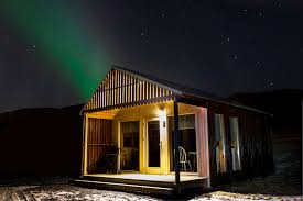best place to watch the northern lights in canada best northern lights cottage house to watch the aurora borealis