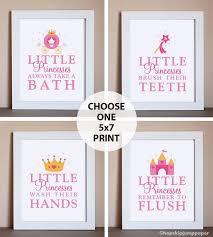 Bathroom Art Ideas For Walls Best 25 Bathroom Decor Ideas On Pinterest Bathroom