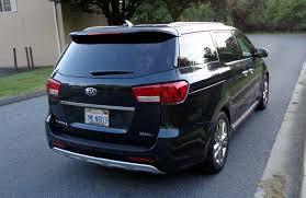 review 2017 chrysler pacifica vs 2016 kia sedona minivans
