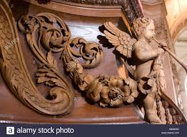 pauls cathedral pulpit decorated by wood carvings in