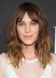 hairstyles for wavy hair low maintenance love stylecaster lowmaintenance shoulder length messy wavy hair