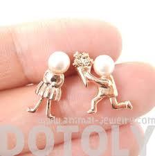 boy earrings boy proposing to girl shaped stud earrings in gold with