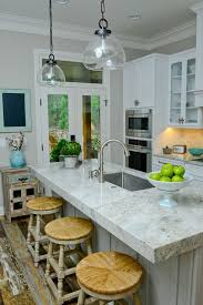 Kitchen Countertops With White Cabinets by Best 25 River White Granite Ideas That You Will Like On Pinterest