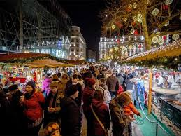 winter markets of budapest must try food and drinks