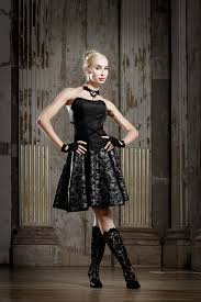 trachtenmode designer ausgefallene couture dirndl rockige dirndl extravagante