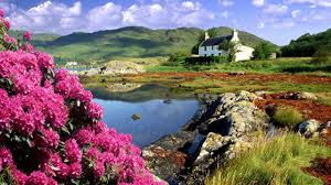 Beautiful Cottage Houses Beautiful Cottage Dornie Lochalsh Scotland Small Lake