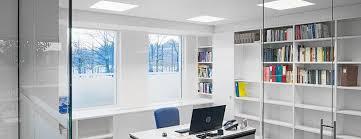 eclairage de bureau un peu de lumière pendant ces journées de travail hivernales