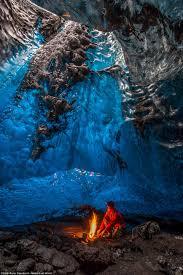 Photographer Captures Ice Cave Network Beneath Iceland U0027s