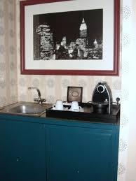 cuisiner avec une bouilloire coin cuisine avec cafetière et bouilloire à disposition thé et