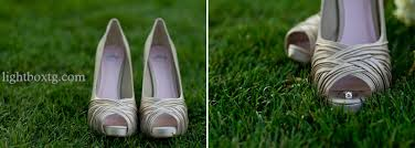 wedding shoes for grass dallas arboretum and white rock lake photographer