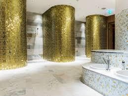 mosaik im badezimmer mosaik fliesen fürs badezimmer 15 ideen und muster