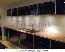 cuisine moderne et noir cuisine noir et bois cool idees plan de travail en granit corian