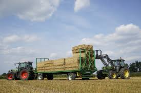 agroliner platform trailer now also with automatic bale transport