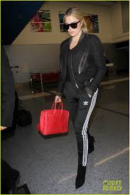 khloe arrives back in la after spending thanksgiving