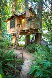 three house on a tous un jour rêvé de construire une cabane dans les arbres